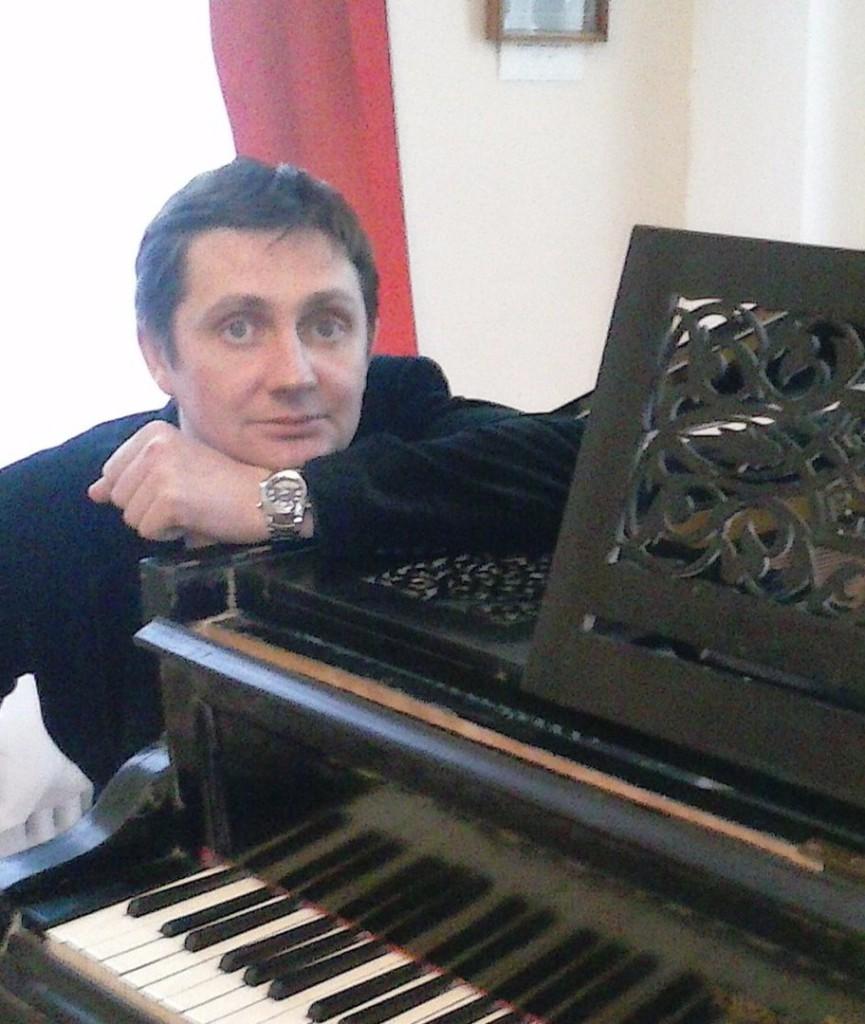 Александр Филатов, поэт, композитор, певец, автор-исполнитель эстрадных песен